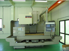 MILLAC611VL-2 X-axis1,300mm×Y-axis610mm